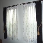 アクセサリーになるカーテンレールと装飾タッセルで寝室コーディネート 東大阪