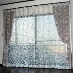 スミノエのフロントレースを基調にリビングのカーテンをコーディネート 宝塚市