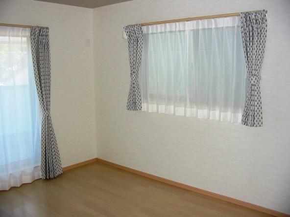 寝室 ミラーレースカーテン