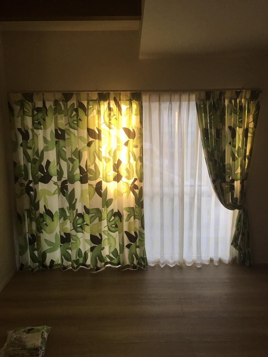 引越し先の窓に合わせてオーダーカーテンの寸法直し(丈伸ばしと幅詰め
