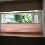 新築1階と吹き抜けの窓にオーダースクリーンを取り付け 大阪市旭区