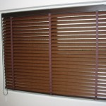 お部屋広々!ウッド調ブラインドを窓枠の内側に取り付け 神戸市東灘区