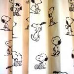 スヌーピーのプリントカーテン!子ども部屋らしい可愛い雰囲気に