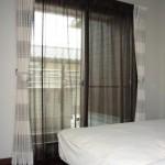寝室にアジアンテイストなカーテンをコーディネート(ドレープ&レース)