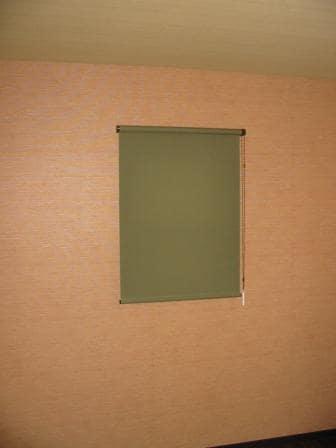寝室すりガラス窓