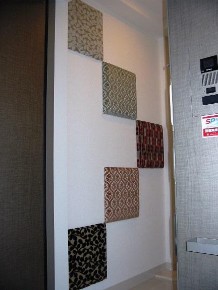 玄関の壁パネル1