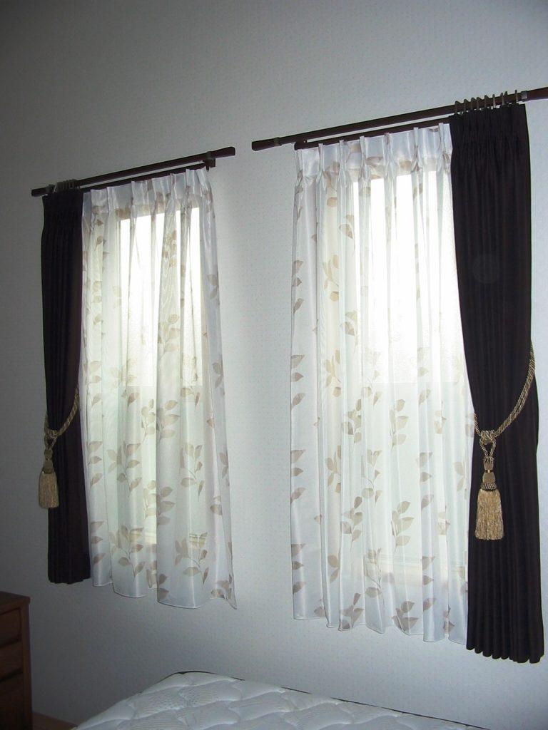 一戸建てカーテン2-min